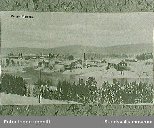 Sliperiet (nedbrunnet 1915). Kraftverket  rasade ner i älven tillsammans med slänten nedanför  yllefabriken tv 1916 (enligt uppgift från Gertrud Blomkvist, Matfors).