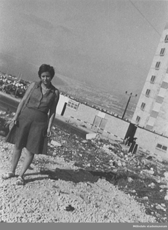 23-åriga Bati, Minas dotter, 1970-tal i Israel.Mina kom tillsammans med sina två systrar och kusin till Mölndal 1945 från koncentrationsläger. De flyttade till Israel 1948.