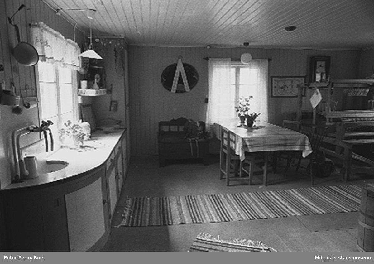 Ett kök.Hembygdsgården/Börjesgården i Hällesåker, Lindome 1992-06-29.