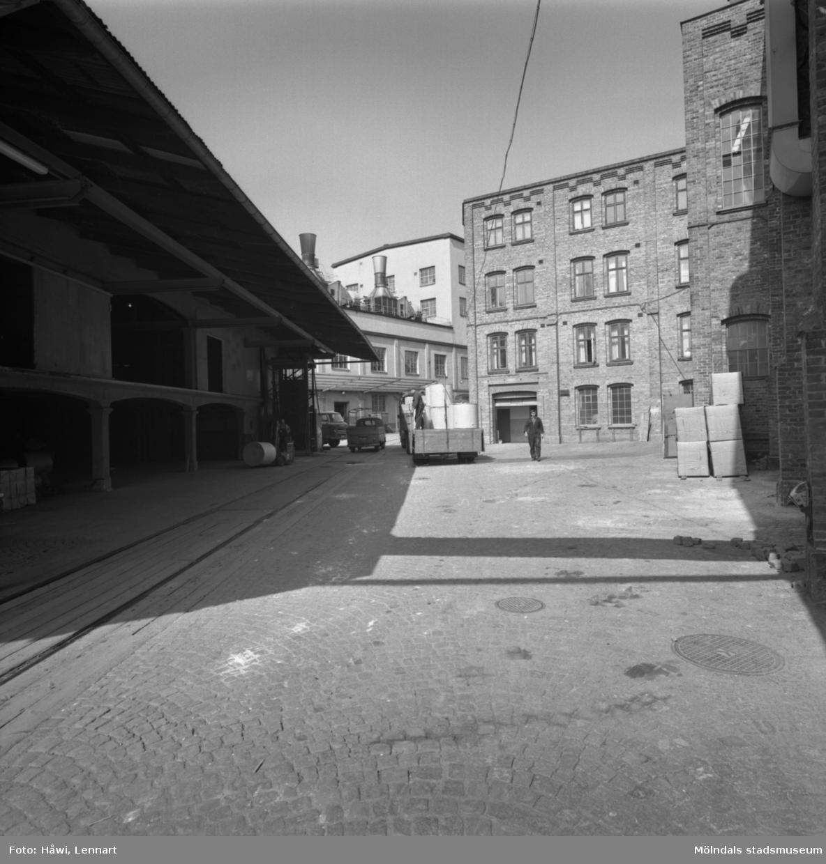 Byggnad nr 11 på Papyrus i Mölndal, 20/5 1964.