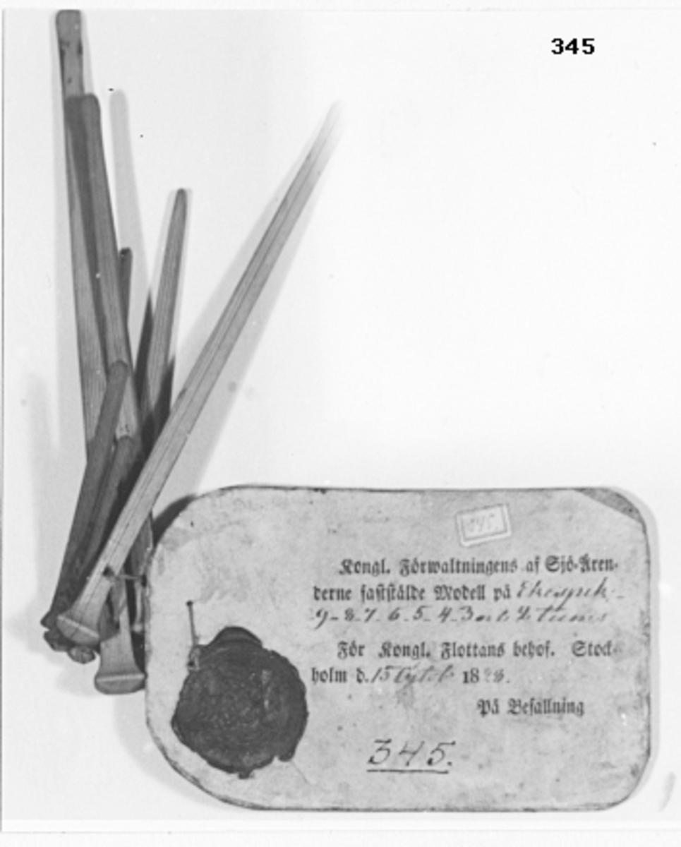 """Ekspik, modeller av trä 9-12"""", 8 st. Tillkom år 1878."""