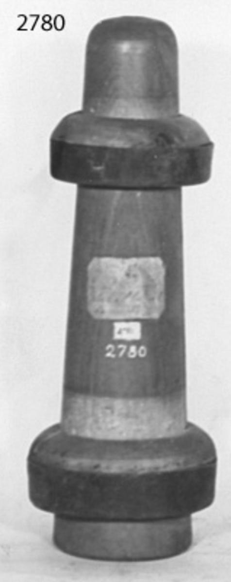 Brännarestock med ringar. Material: trä, ringar av järn
