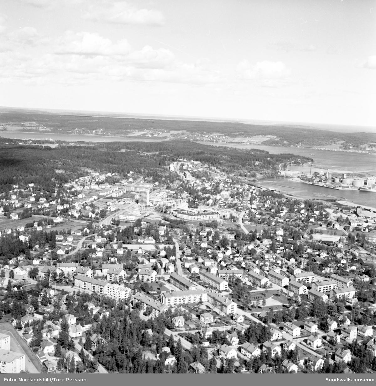 Flygfoton över Skönsbergs centrum.
