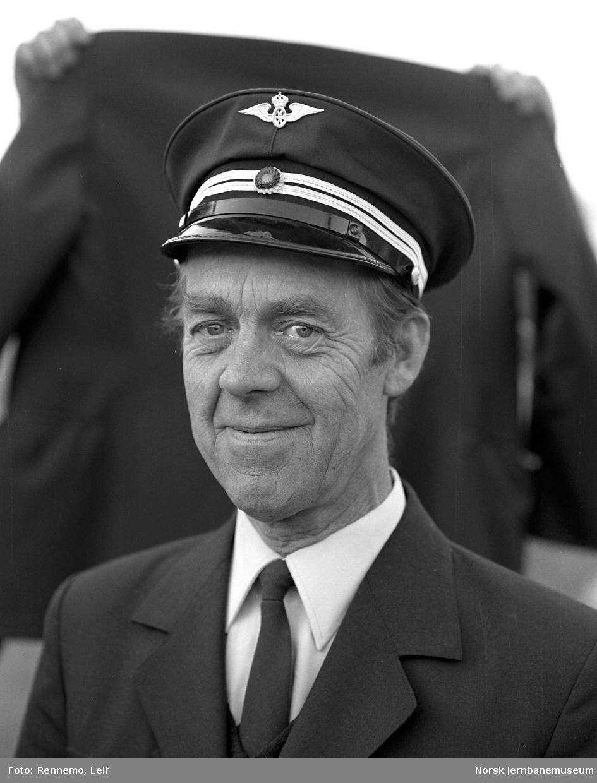 Portrettbilde av lokomotivfører Arne Frilseth