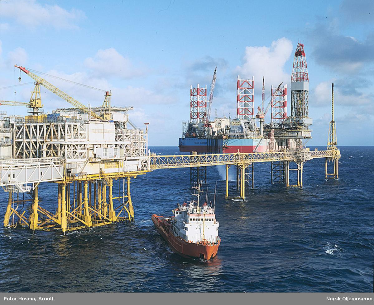 Ekofisk 2/4 W, Mærsk Guardian på plass for å bore åtte vanninnsprøytingsbrønner