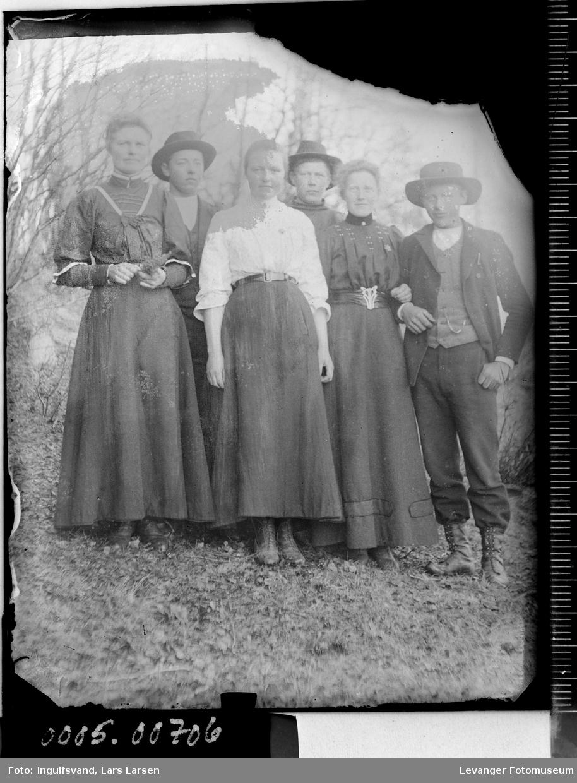 Gruppebilde av tre menn og tre kvinner.
