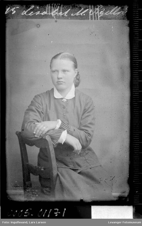 Portrett av ei ung kvinne.