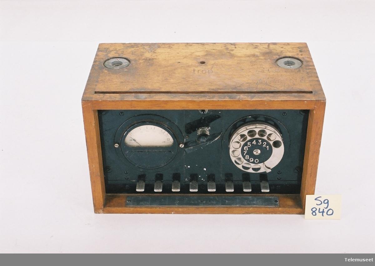 Feldprufschrank Til testing og prøving av telefonsentraler og samband