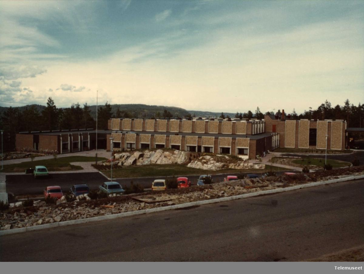 Elektrisk Bureau Bygning, Telefonfabrikken i Risør, reist i 1975-76