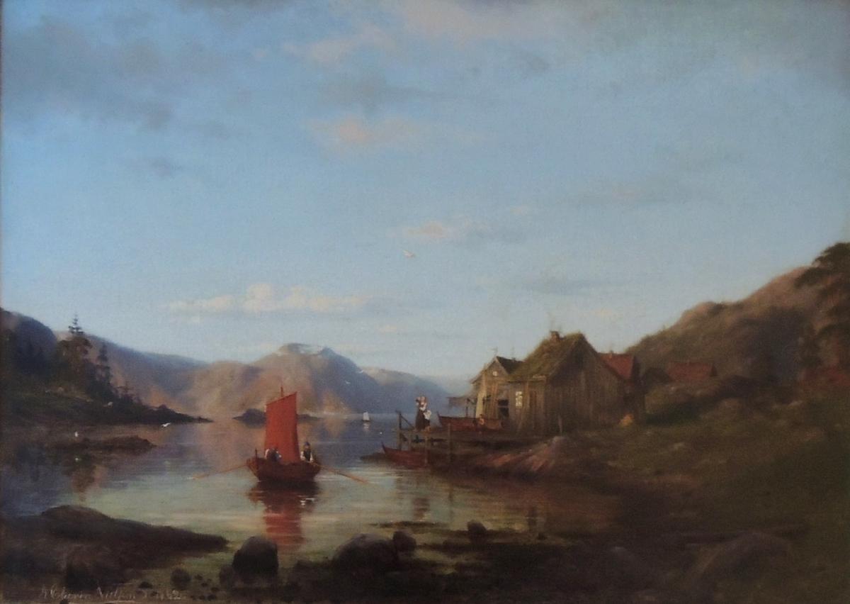 Fjord, båt med rødt seil,brygge, mor, barn og hus.