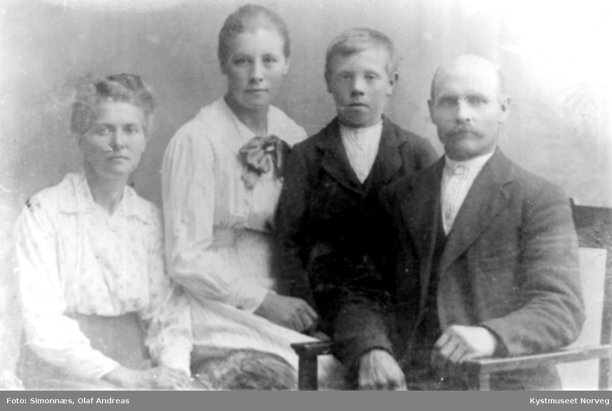 Maren og Arnt J. Storsul, Elen Storsul Holum og Einar Storsul
