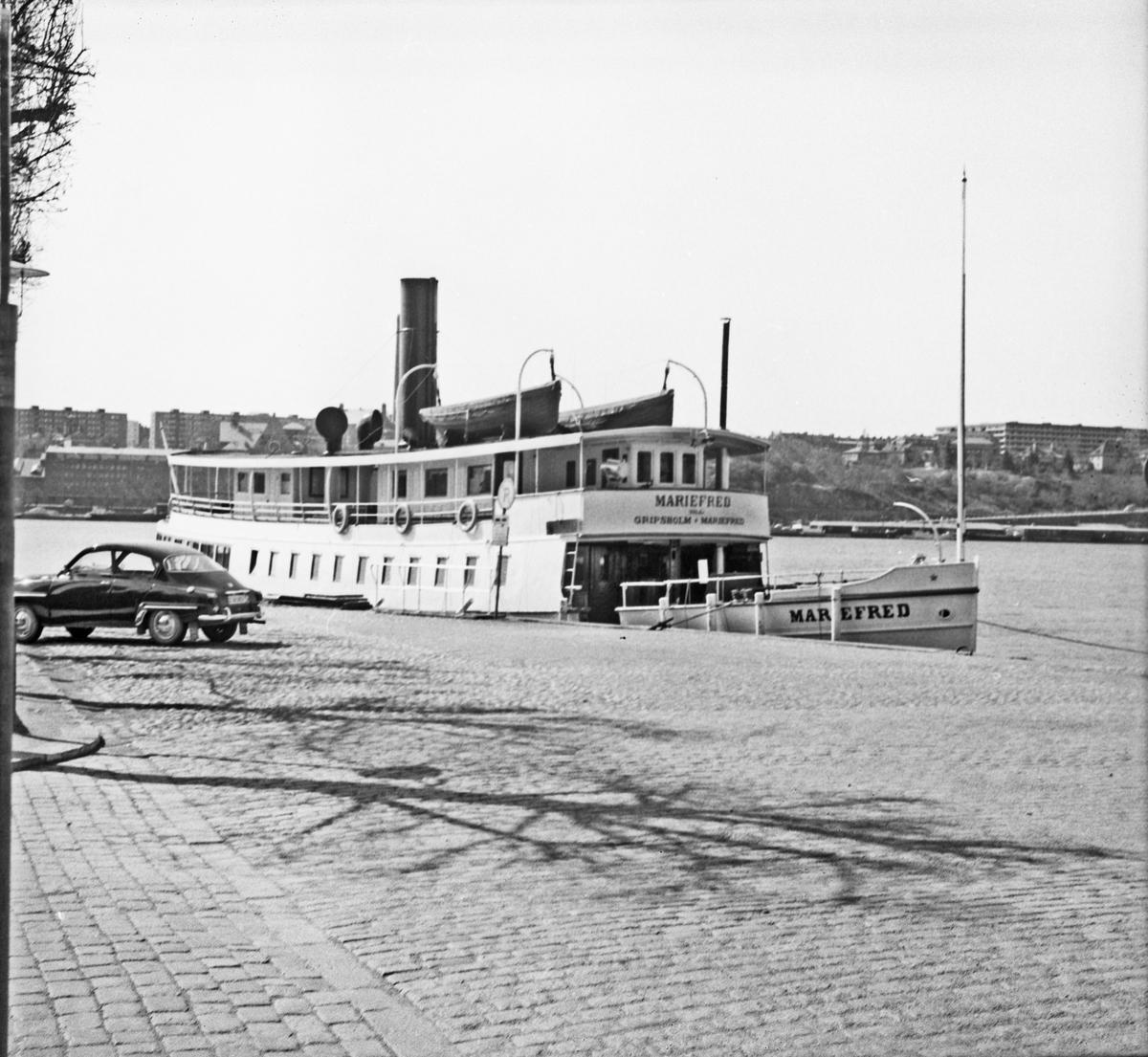 Fartyg: MARIEFRED                      Bredd över allt 6,07 meter Längd över allt 32,64 meter Reg. Nr.: 4141 Rederi: Gripsholm-Mariefreds Ångf AB Byggår: 1903 Varv: Södra Varvet, William Lindbergs MV & Varfs AB