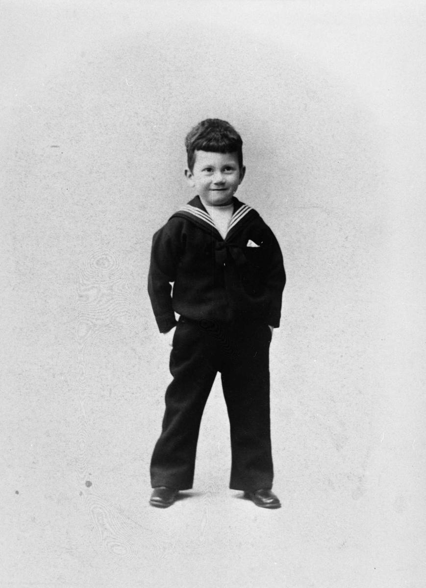 Arne Bjørnson-Langen, gutt, repro,