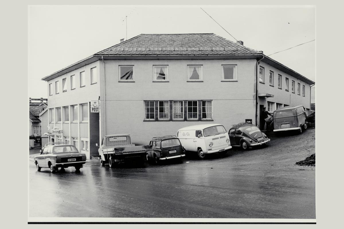 eksteriør, postkontor, 5400 Stord, postbud