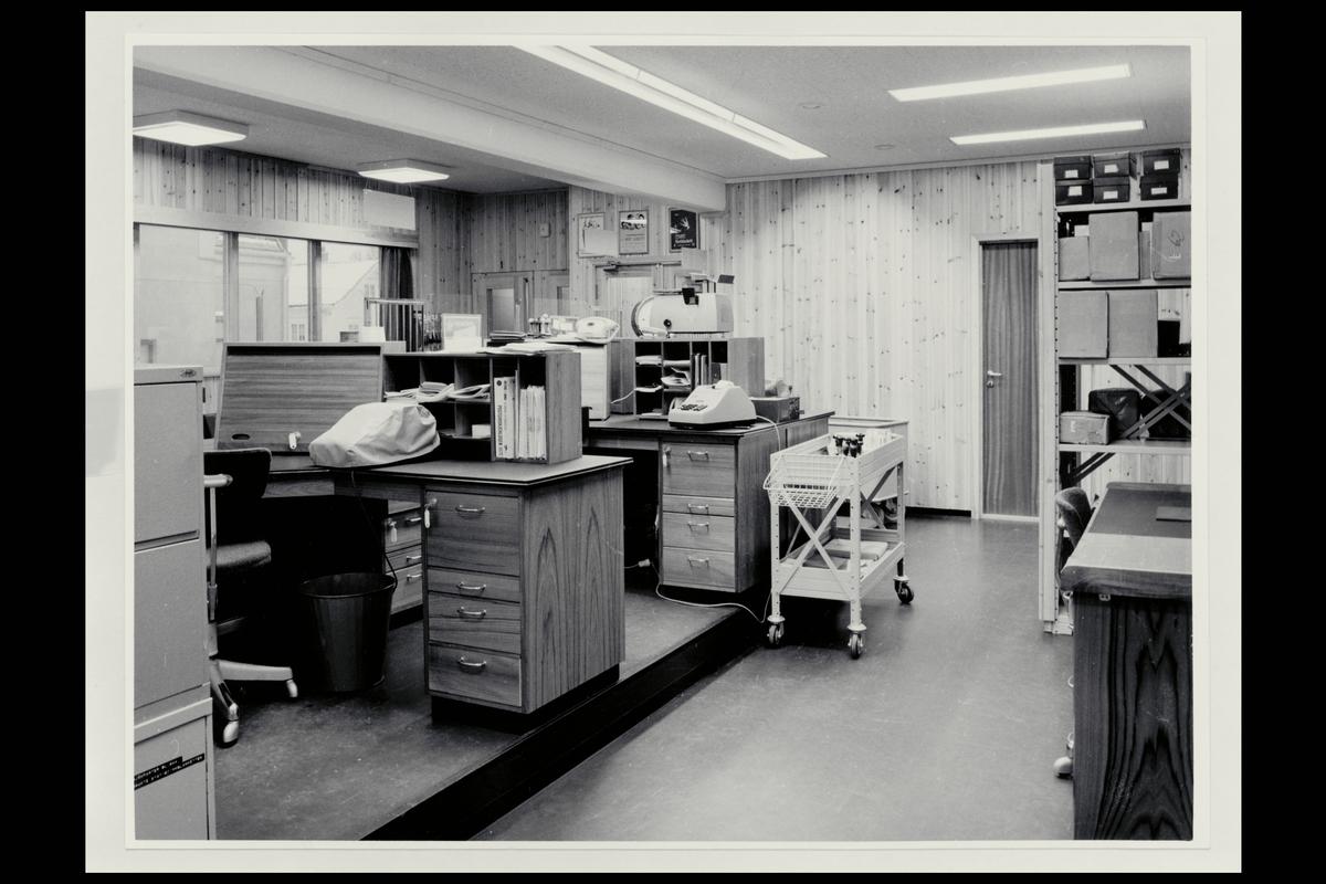 interiør, postkontor, 3950 Brevik, ekspedisjon, vekt, regnemaskin