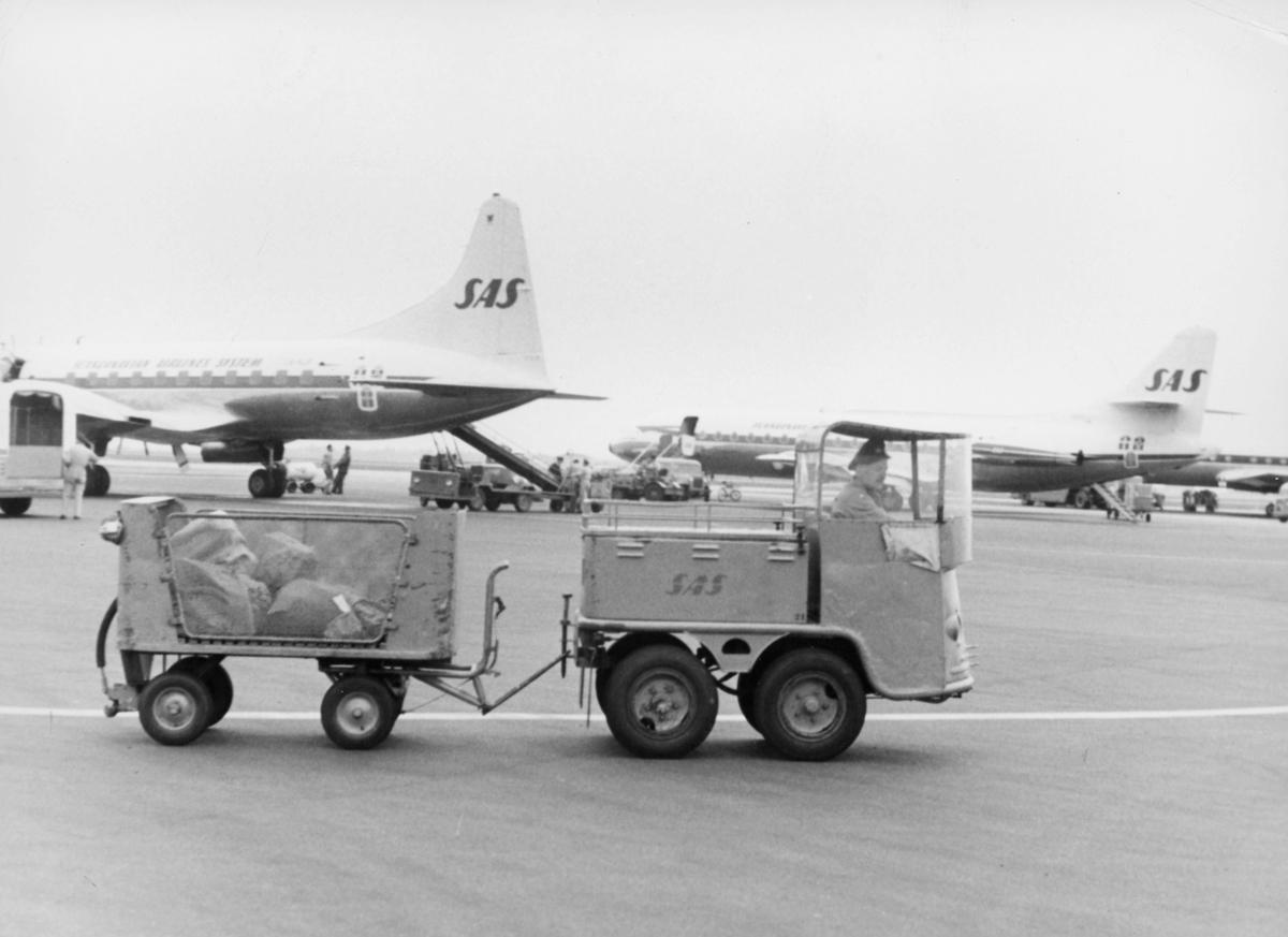 transport, fly, på bakken lasting, lossing