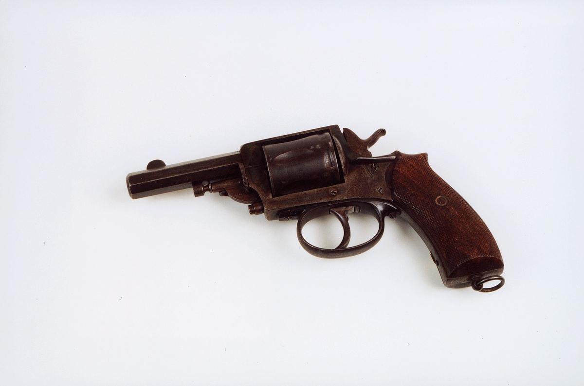 postmuseet, gjenstander, våpen, revolver, selvspennende revolver kaliber 8 mm