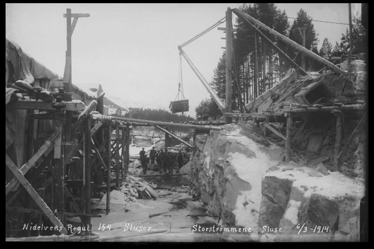 Arendal Fossekompani i begynnelsen av 1900-tallet CD merket 0468, Bilde: 81 Sted:: Storstrømmene sluse Beskrivelse: Bygging av sluse