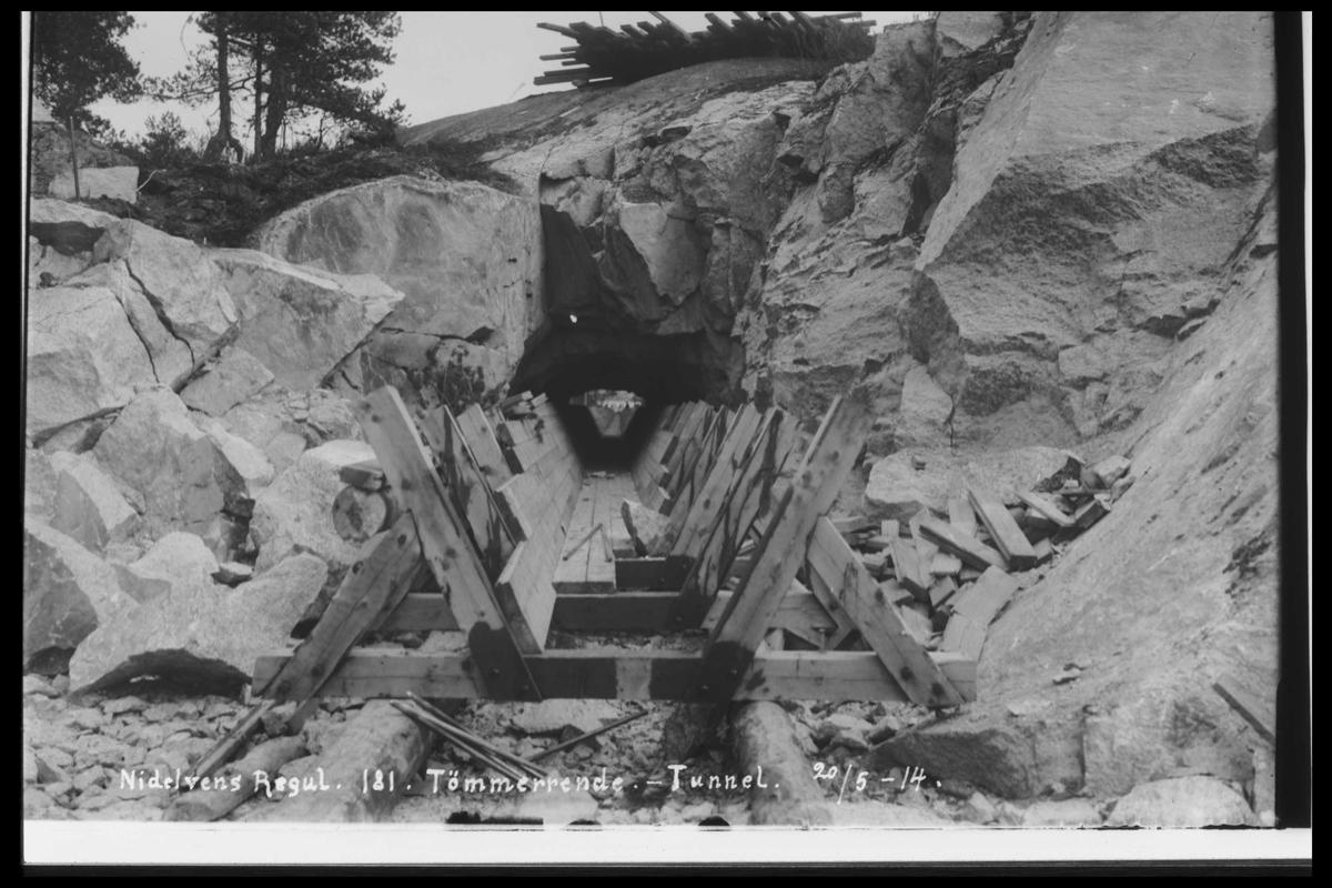 Arendal Fossekompani i begynnelsen av 1900-tallet CD merket 0474, Bilde: 21 Sted: Flaten Beskrivelse: Tømmerrenne