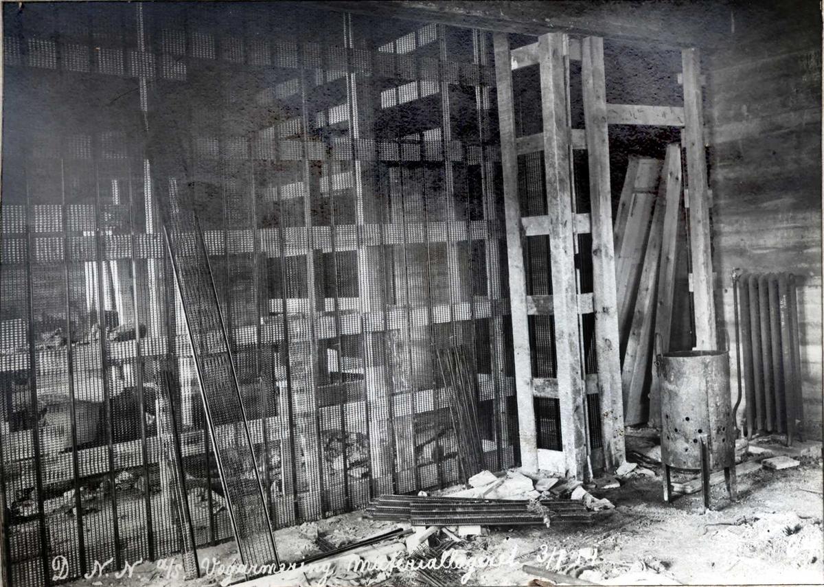 """""""03/01-1914"""" Nitriden, armeringer og forskalinger i bygning for materiallager, verksteder og kontor."""