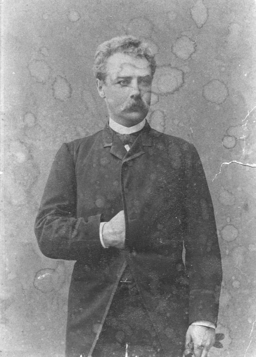Portrett av dr. Georg Juell Klouman ca. 30 år gammel.