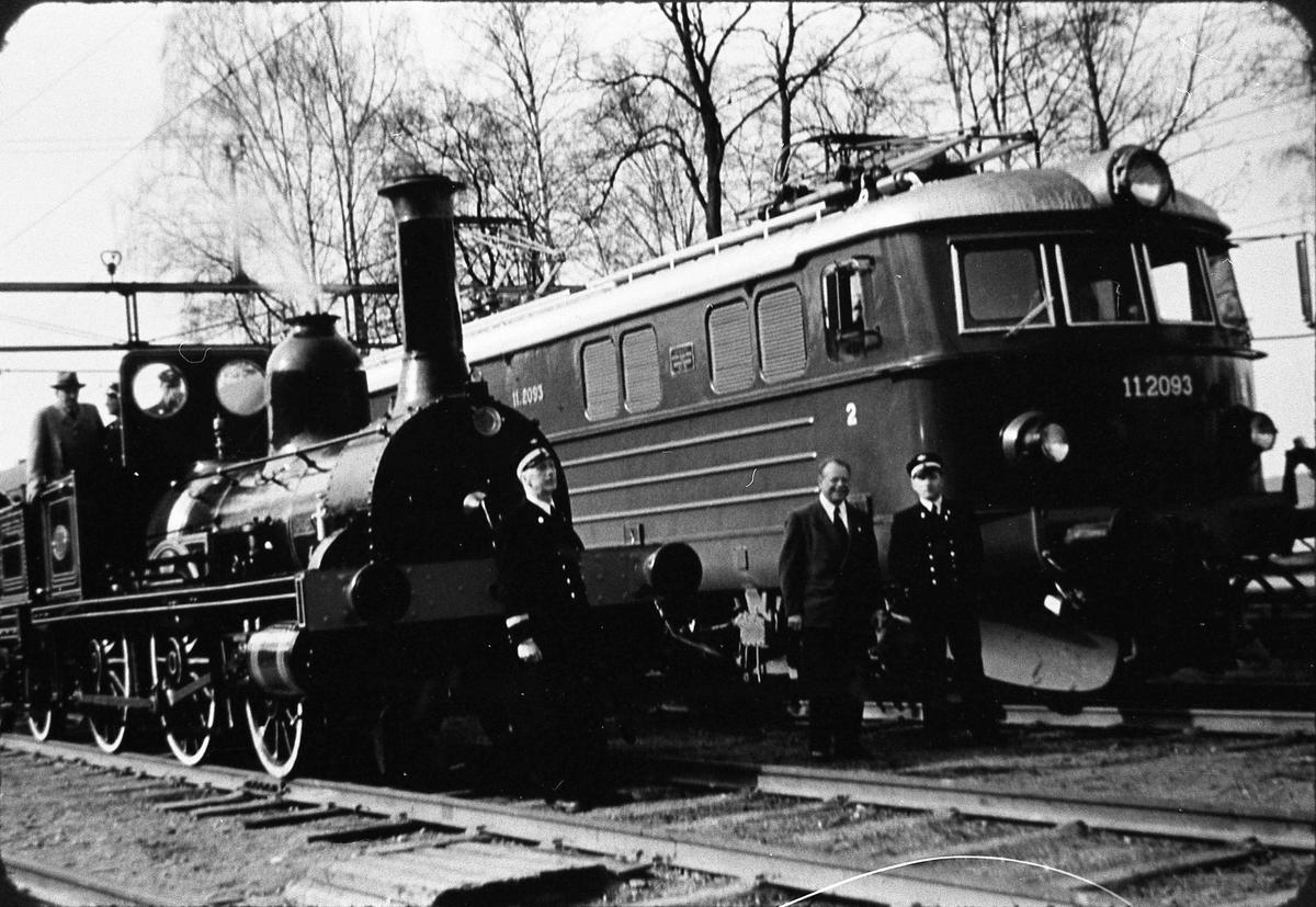 Bildet er tatt i september 1954 i forbindelse med NSBs 100 års jubileum.