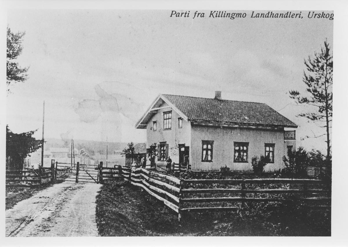 Parti fra Killingmo Landhandleri, Urskog. Killingmo stasjon er skult bak landhandelen.