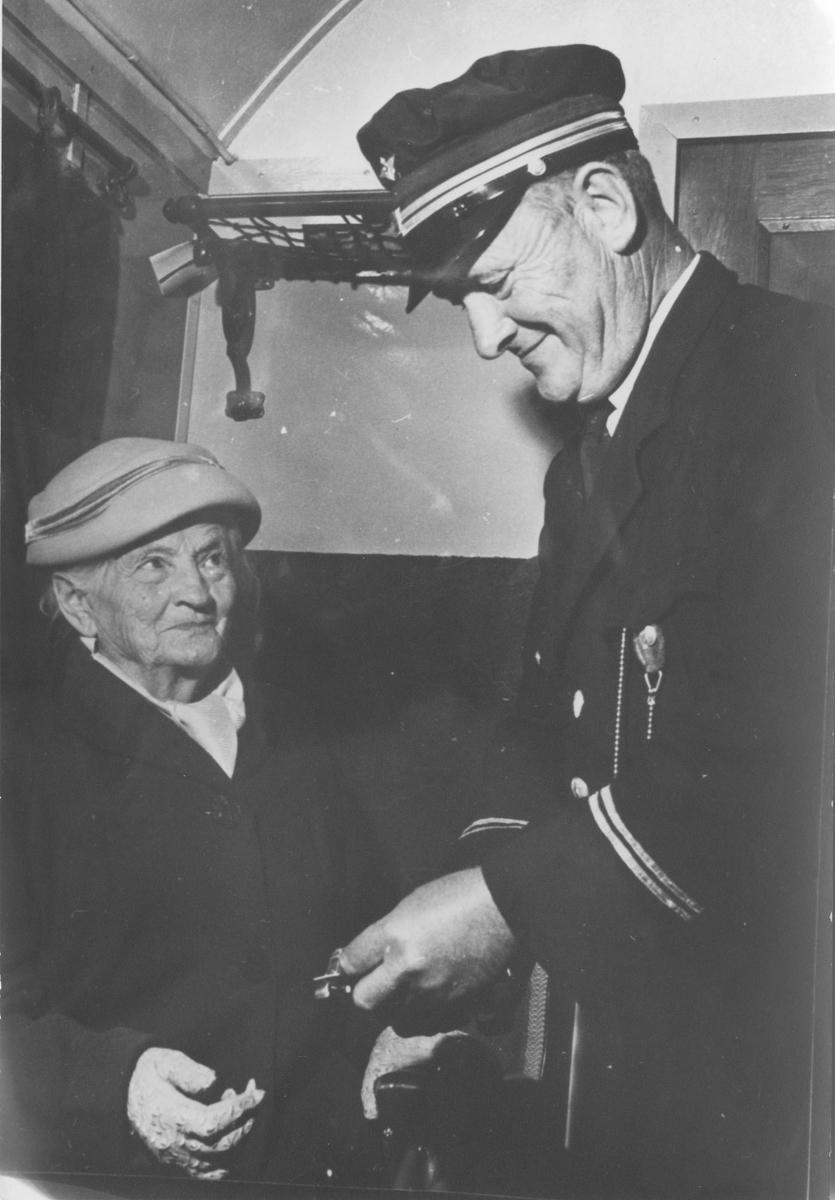 Augusta Øiseth var passasjer både på første ordinære tog i 1896 og siste tog 30.6.1960.