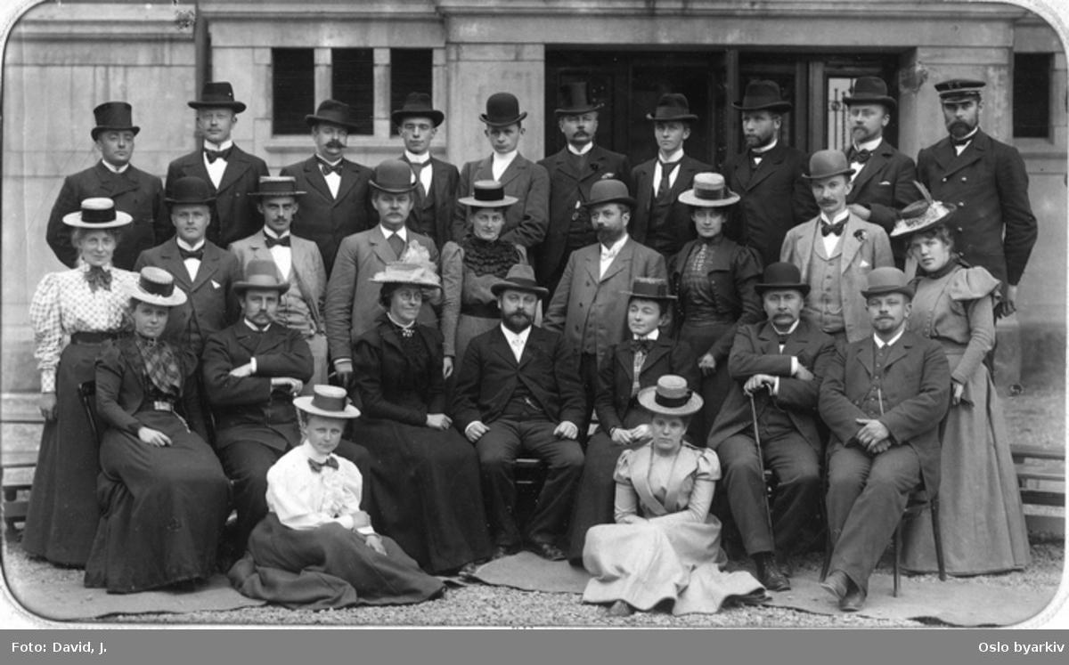Lærerpersonalet 1898. Jf. Vestheimboka s. 61.