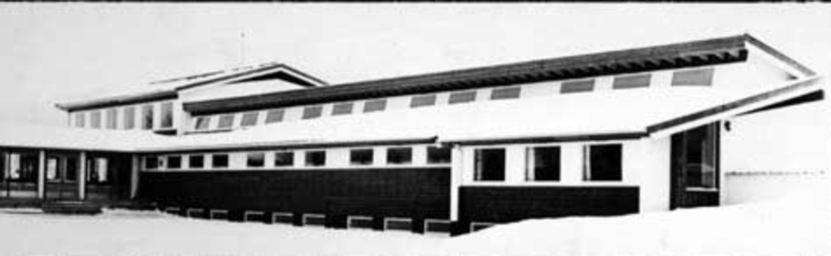 Mørkved skole, Brumunddal. Bygging av ny skole som ble innviet den 26/1 1963.
