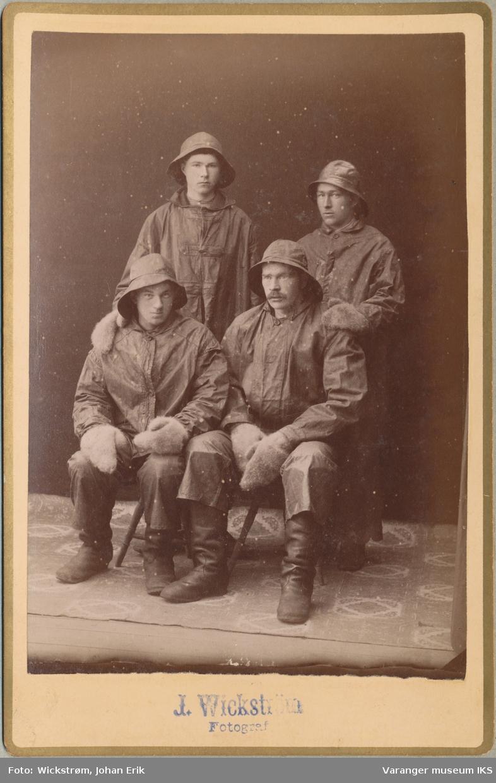 Gruppeportrett, fire fiskere