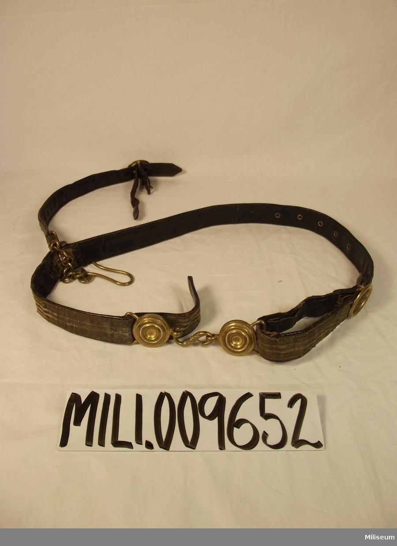 Sabelkoppel m/1859 för officer vid infanteriet, förändrat för att passa sabel m/1899.