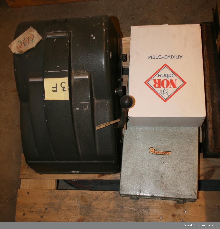 Billettrykkemaskin : med klisjeer - for edmondsonske billetter
