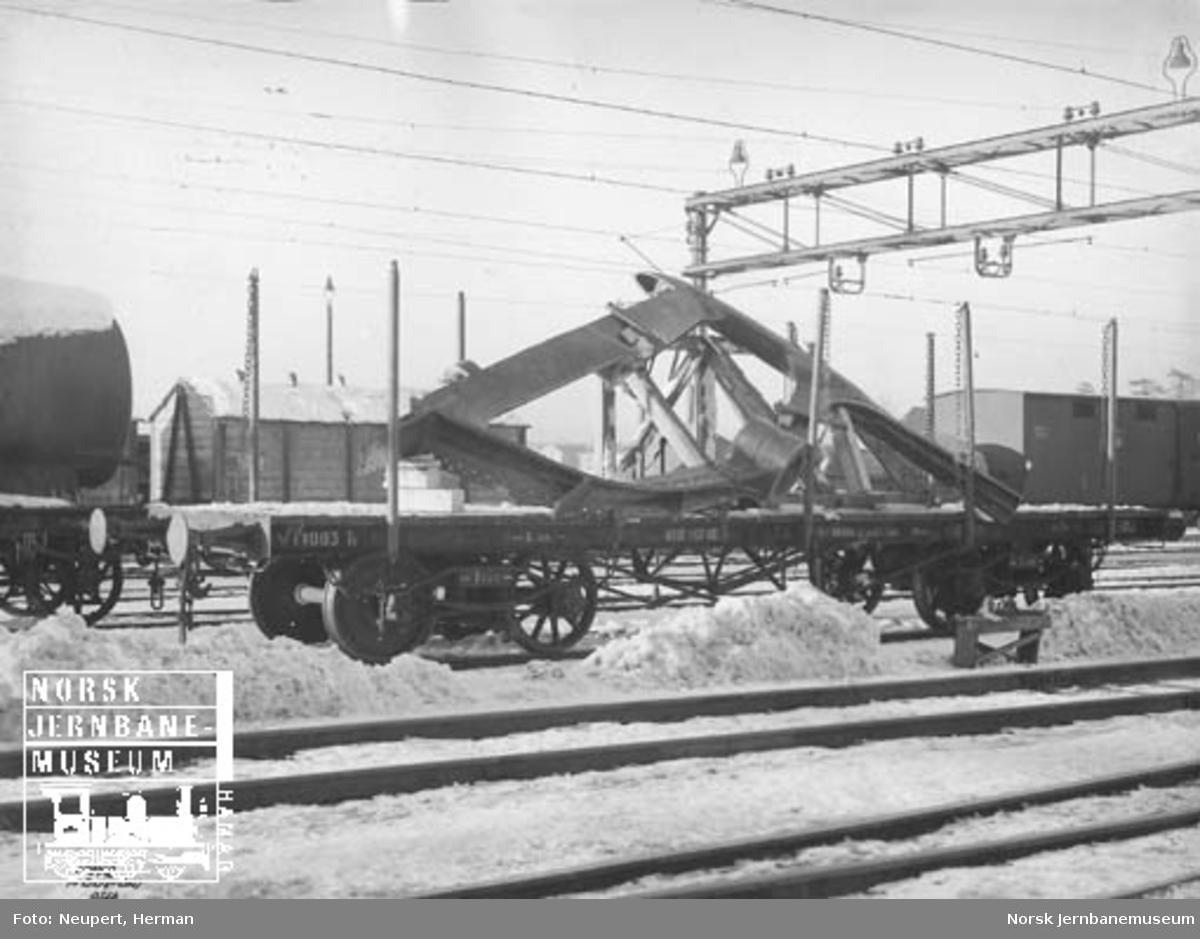 Plattformvogn litra To1 nr. 14903 lastet med skipsutstyr