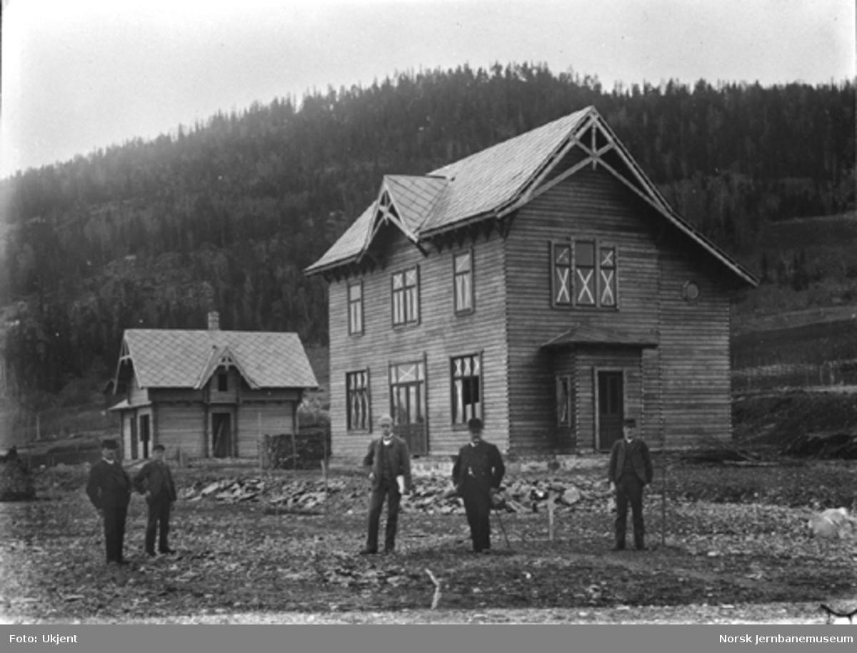 Hamar-Selbanens anlegg; stasjonsbygning og godshus på Ring begynner å bli ferdige