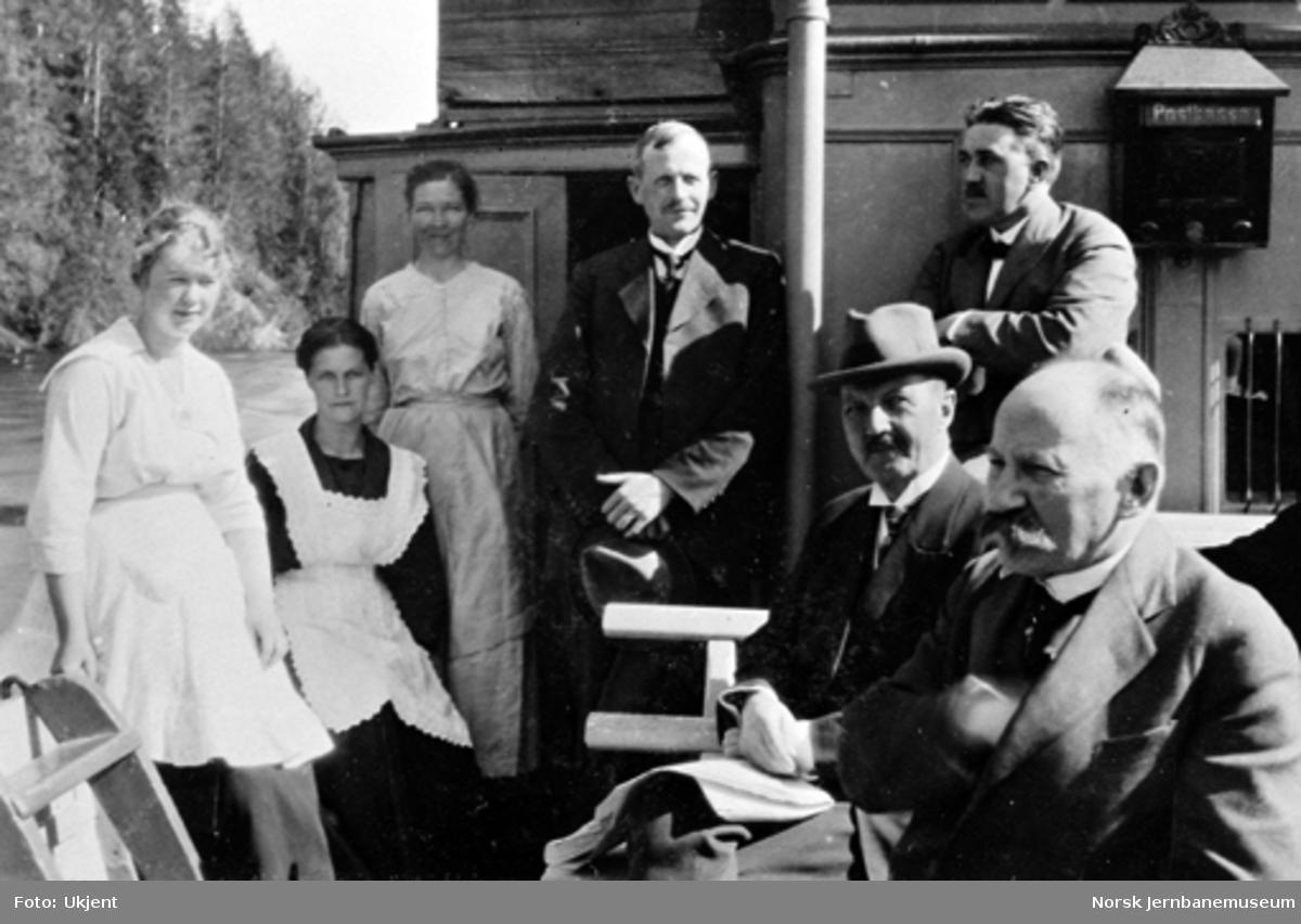 Generaldirektør Holtfodt, stortingsmann Buen og borgermester Bentzen ombord på D/S Bægna