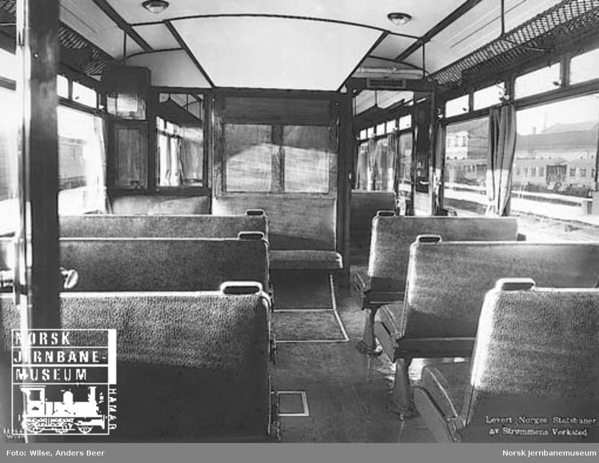 Interiørbilde fra bensinmotorvogn litra Cm type 14 nr. 18231