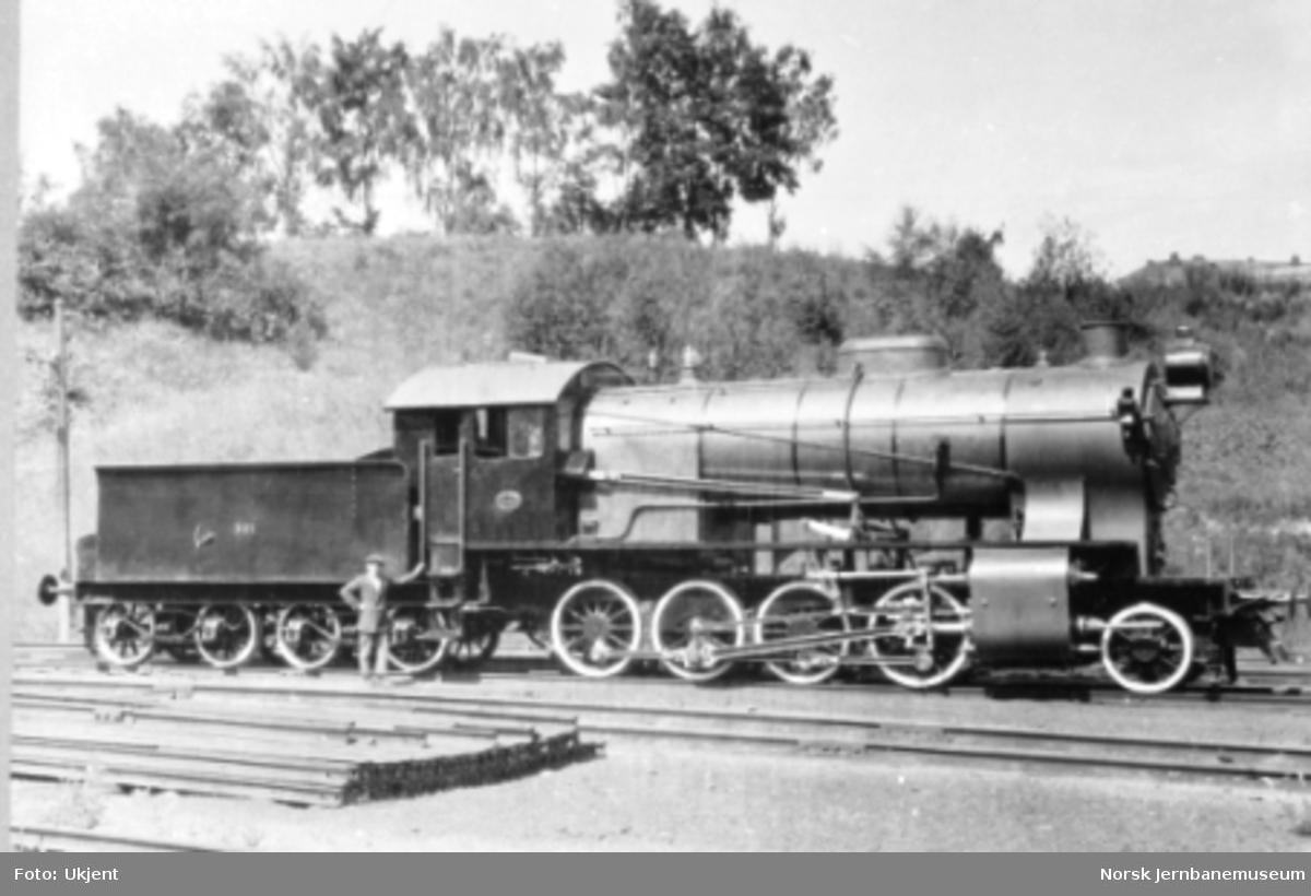 Damplokomotiv type 33a nr. 301 som nytt