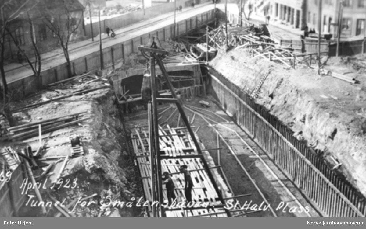 Arbeid med tunnel for Østfoldbanen St. Halvards plass