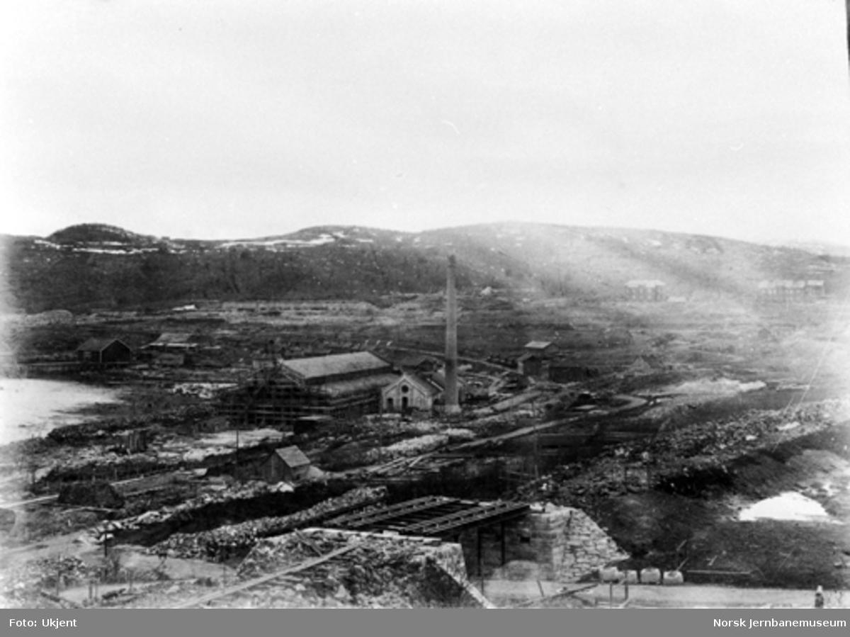 Oversiktsbilde fra Narvik. Bygging av vegundergang i forgrunnen