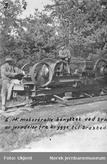 Hjuksa bru : motortralle (6 hk) brukt ved transport av jerndeler fra brygge til brusted syd