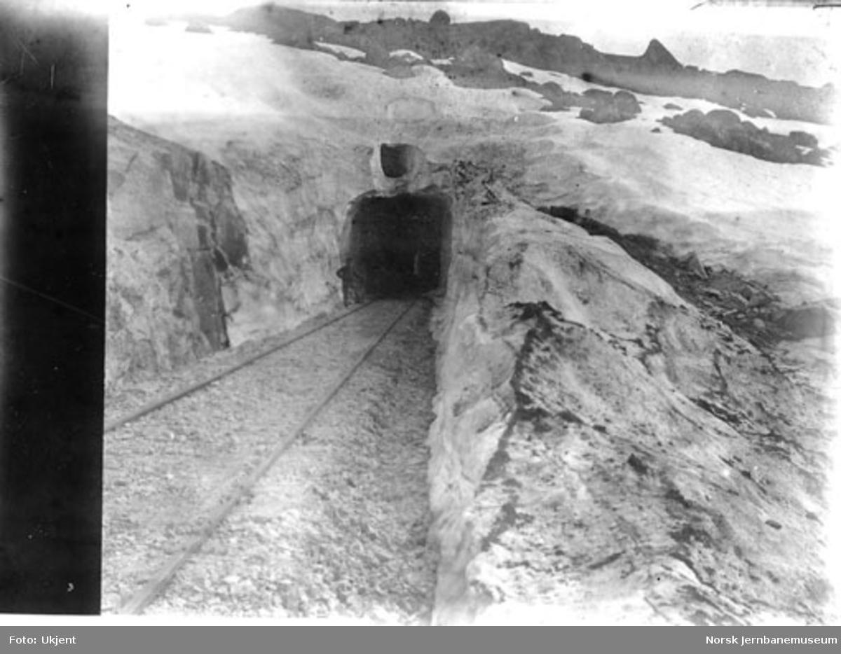 Banen etter snørydding forsommeren 1907