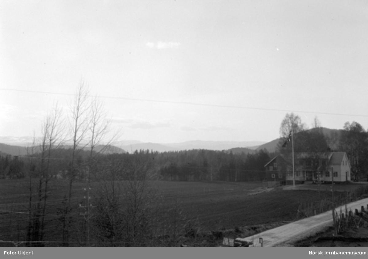 Utsikt nordover fra kommunebygningen i Flesberg