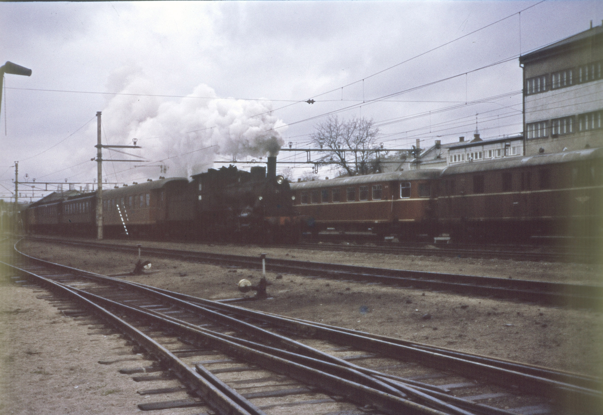 Tog til Rørosbanen på Hamar stasjon