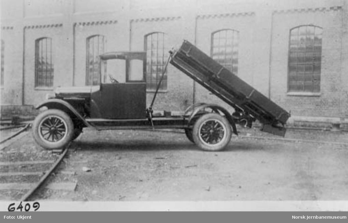 Lastebil med tippanordning fra Skabo